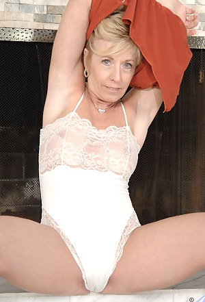 Mature Undressing Porn Pictures